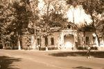 Очень приметный дом на пересечении улиц. Может быть, он на улице Каблукова? Но я, скорее всего, ошибаюсь.