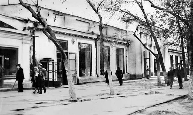 Гастроном в начале Пушкинской. Фото прислала Гузаль.