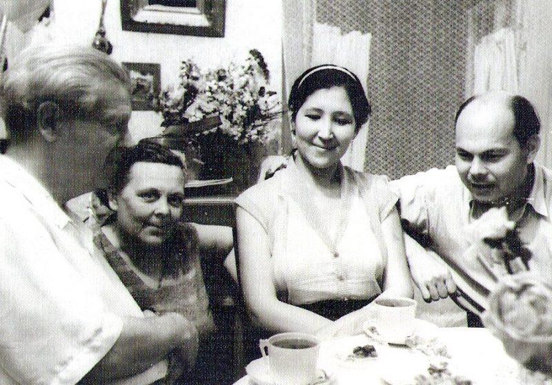 В. Хаэт с женой, певицей Р. Кучликовой и дирижером А. Абдукаюмовым