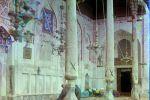Праведные мусульмане молятся внутри мечети Богоэддин. Бухара, 1905 год.