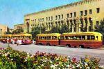 На одной из центральных магистралей города — улице Навои (Чуть вглуби видно здание театра Хамзы. Выше налево площадь Хадра)