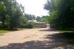 Здесь когда-то была платная поликлиника, наверняка знакомая ташкентцам постарше. Сломали ее давно, более 15 лет назад.