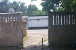 Так выглядит выход с территории бывшей поликлиники на улицу Алмазар.