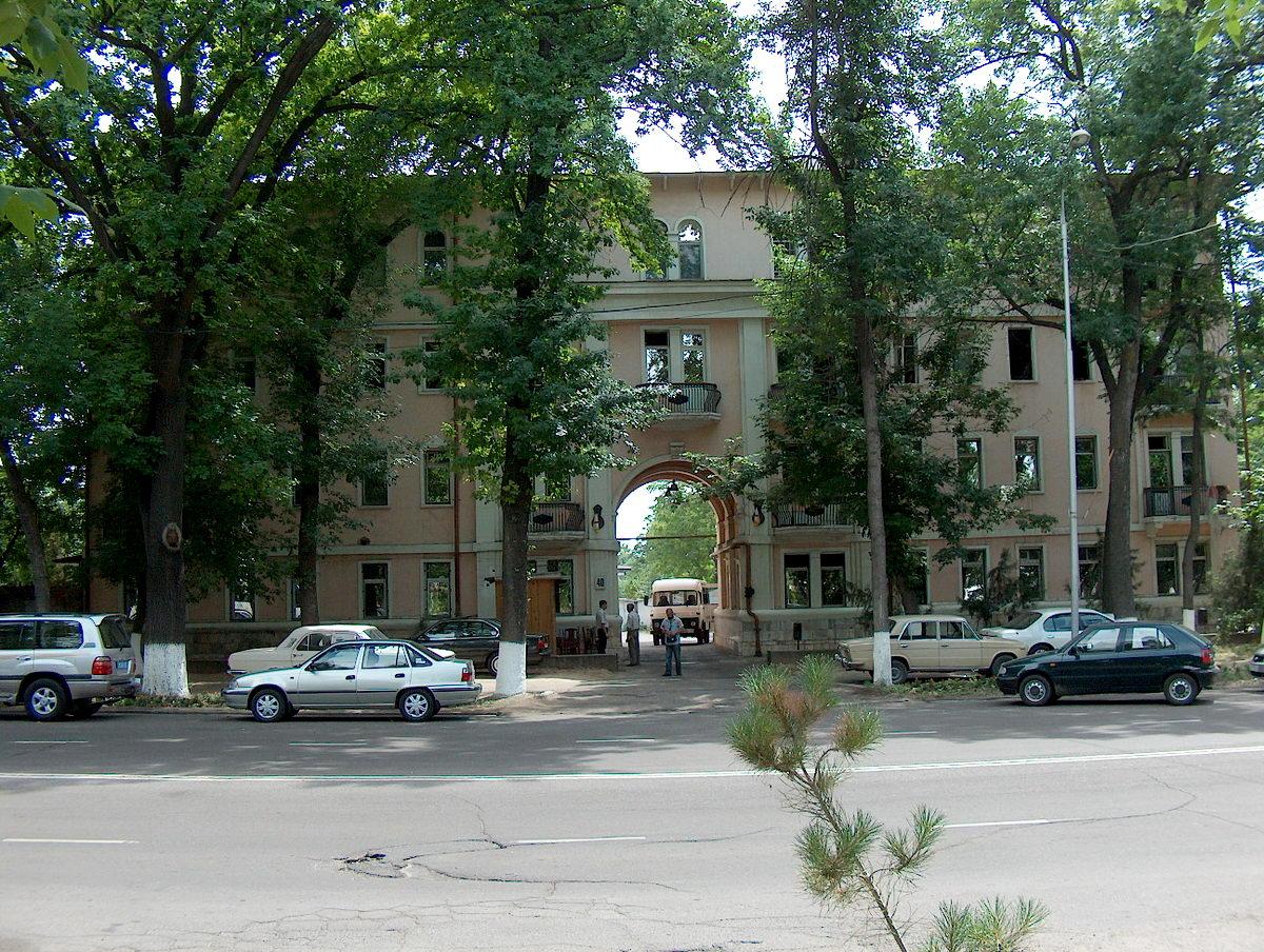старое жилое здание