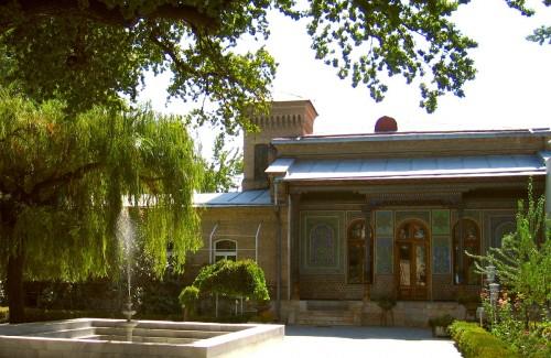 Tashkent_museum_of_applied_arts_1200