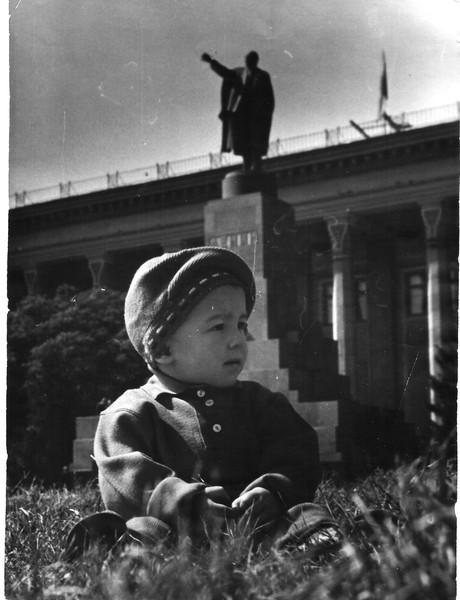 Площадь перед домом Советов 1963 г.