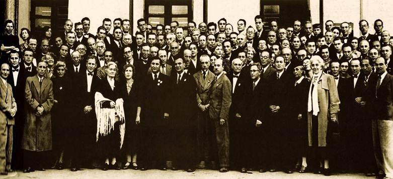 Сове��кие пи�а�ели в �а�кен�е в 1942 год� Ол�га Фо��
