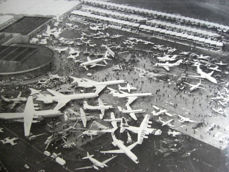 Самолет Ан-22 на авиасалоне Ле Бурже.