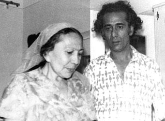 Последний снимок с матерью Шаистой-опой, которая умерла в 2000 году в возрасте 80 лет