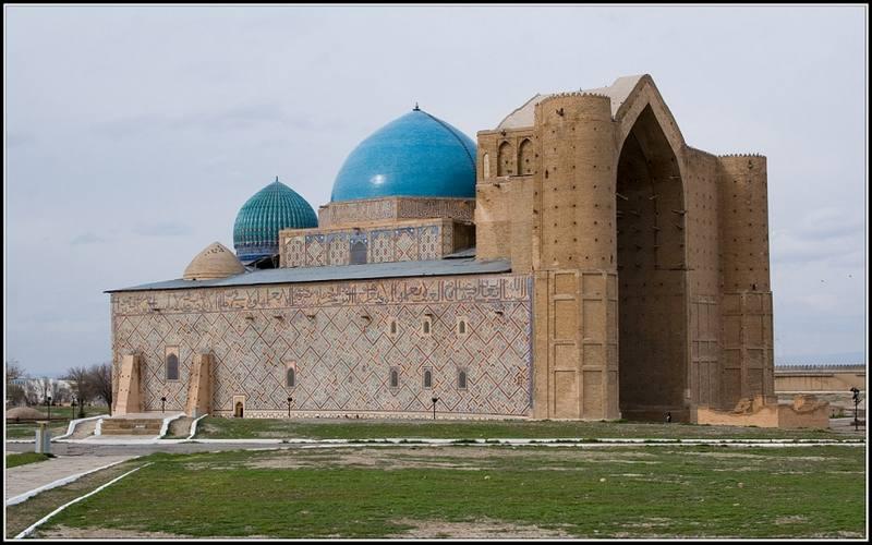мавзолей Яссави3