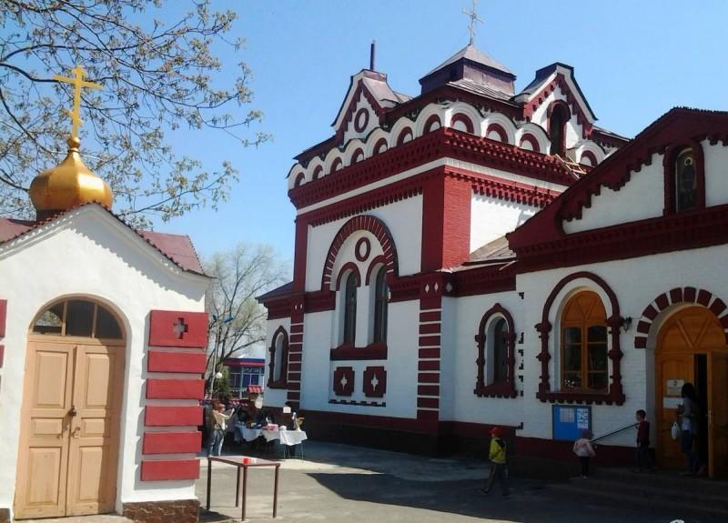 Монастырский двор