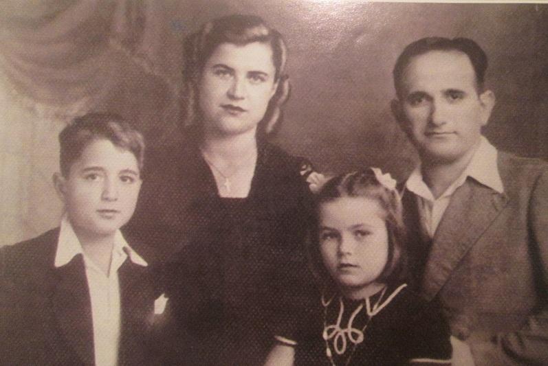4. Семья Терзянов, 1945 г.
