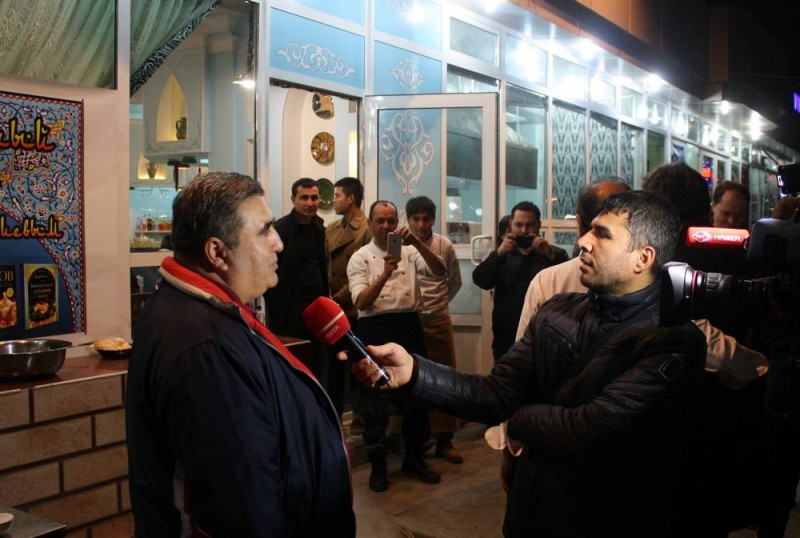 Бахтиер Насимов дает интервью как знаток и любитель.