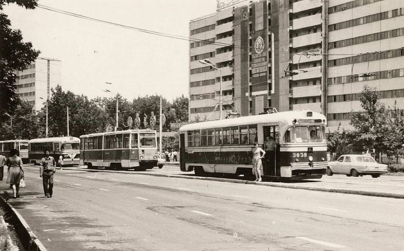 Трамвай и Детский мир