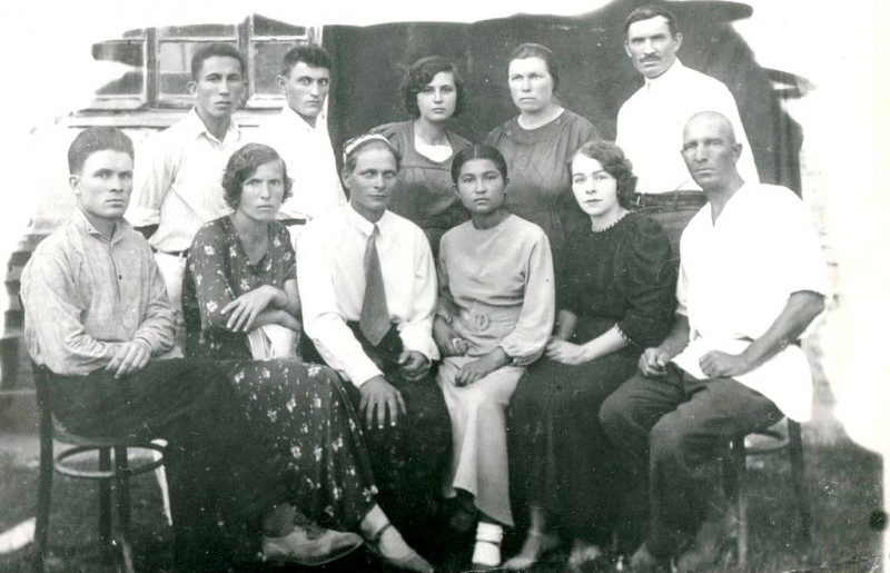 1937 год. Станция Федченко. Коллектив Школы.