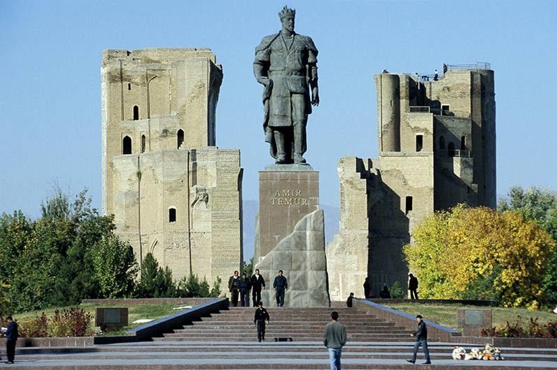 Statue of Timur Leng (Tamerlane) in Shahrisabz (Kesh), Uzbekistan